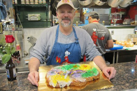 bill-with-king-cake